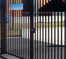 Portail pivotant barreaux ronds fabrication standard