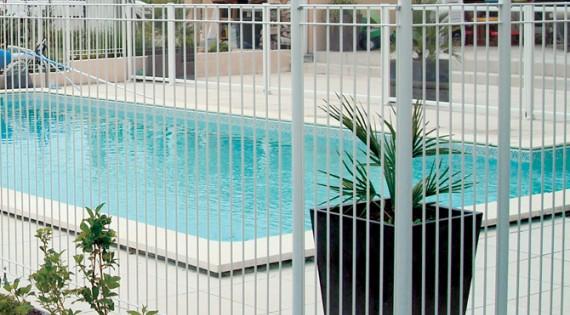 Barrières piscine ÉMERAUDE - Panneaux rigides & Portillon