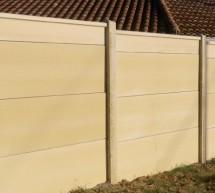 Clôture mur plein en plaques de béton